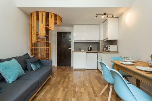 Modern Apartment With Mezzanine
