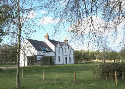 Upfront,up,front,reviews,accommodation,self,catering,rental,holiday,homes,cottages,feedback,information,genuine,trust,worthy,trustworthy,supercontrol,system,guests,customers,verified,exclusive,greenmyre farmhouse,solid luxury ,kirriemuir,,image,of,photo,picture,view