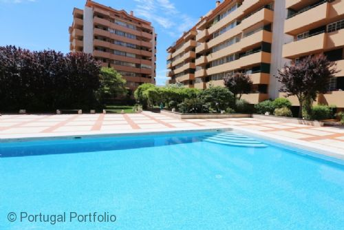 Cascais with Pool -  Holiday Apartment Rental With Pool