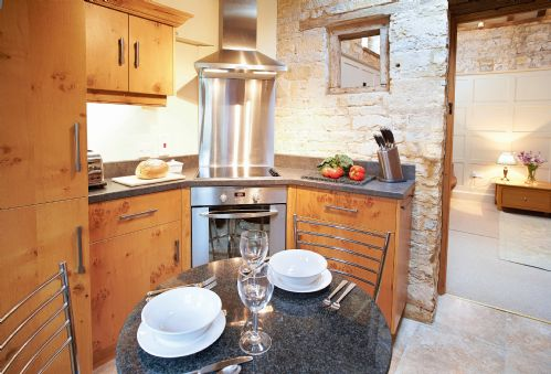 Upfront,up,front,reviews,accommodation,self,catering,rental,holiday,homes,cottages,feedback,information,genuine,trust,worthy,trustworthy,supercontrol,system,guests,customers,verified,exclusive,old bothy,cotswolds hideaways,halford,,image,of,photo,picture,view