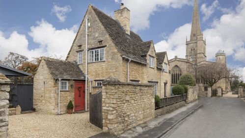 Upfront,up,front,reviews,accommodation,self,catering,rental,holiday,homes,cottages,feedback,information,genuine,trust,worthy,trustworthy,supercontrol,system,guests,customers,verified,exclusive,church cottage, burford, cotswolds,bolthole retreats limited,burford,,image,of,photo,picture,view