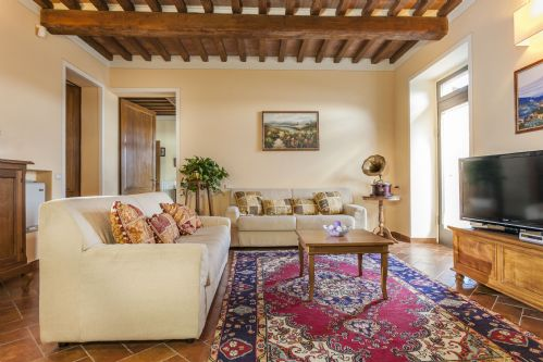 Upfront,up,front,reviews,accommodation,self,catering,rental,holiday,homes,cottages,feedback,information,genuine,trust,worthy,trustworthy,supercontrol,system,guests,customers,verified,exclusive,villa margarita,tuscan charm,castiglion fiorentino,,image,of,photo,picture,view