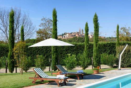 Upfront,up,front,reviews,accommodation,self,catering,rental,holiday,homes,cottages,feedback,information,genuine,trust,worthy,trustworthy,supercontrol,system,guests,customers,verified,exclusive,villa castiglioni,tuscan charm,castiglion fiorentino,,image,of,photo,picture,view