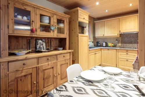 Compact but well-equipped kitchen