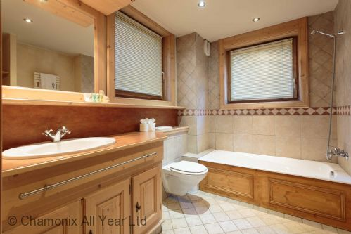 Large ensuite bathroom for master bedroom