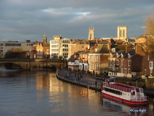 Upfront,up,front,reviews,accommodation,self,catering,rental,holiday,homes,cottages,feedback,information,genuine,trust,worthy,trustworthy,supercontrol,system,guests,customers,verified,exclusive,18 emperors wharf ,in york holidays,york,,image,of,photo,picture,view