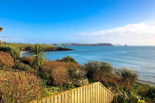 Upfront,up,front,reviews,accommodation,self,catering,rental,holiday,homes,cottages,feedback,information,genuine,trust,worthy,trustworthy,supercontrol,system,guests,customers,verified,exclusive,clipper view,cornwalls cottages ltd,portscatho,,image,of,photo,picture,view