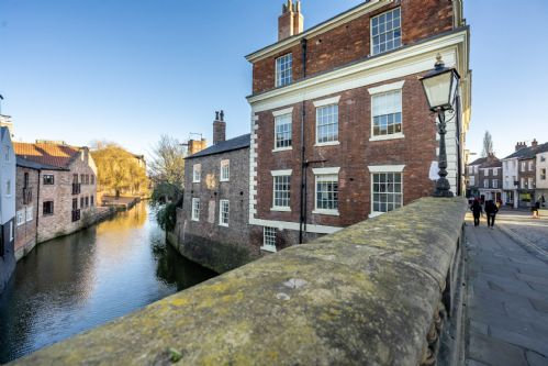 Upfront,up,front,reviews,accommodation,self,catering,rental,holiday,homes,cottages,feedback,information,genuine,trust,worthy,trustworthy,supercontrol,system,guests,customers,verified,exclusive,walmgate riverview,stays york,york,,image,of,photo,picture,view