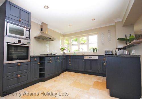 Upfront,up,front,reviews,accommodation,self,catering,rental,holiday,homes,cottages,feedback,information,genuine,trust,worthy,trustworthy,supercontrol,system,guests,customers,verified,exclusive,riverside house, arundel,henry adams holiday cottages ,arundel ,,image,of,photo,picture,view