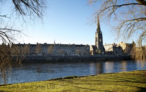 Upfront,up,front,reviews,accommodation,self,catering,rental,holiday,homes,cottages,feedback,information,genuine,trust,worthy,trustworthy,supercontrol,system,guests,customers,verified,exclusive,tay views,click book stay ltd,perth,perthshire,image,of,photo,picture,view