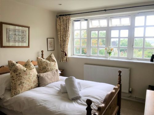 Upfront,up,front,reviews,accommodation,self,catering,rental,holiday,homes,cottages,feedback,information,genuine,trust,worthy,trustworthy,supercontrol,system,guests,customers,verified,exclusive,briar cottage,cotswold & vale lettings,moreton-in-marsh,,image,of,photo,picture,view