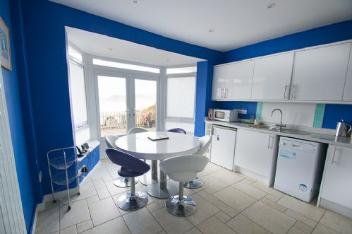 Upfront,up,front,reviews,accommodation,self,catering,rental,holiday,homes,cottages,feedback,information,genuine,trust,worthy,trustworthy,supercontrol,system,guests,customers,verified,exclusive,combe cottage,holiday home hunter,woolacombe,,image,of,photo,picture,view