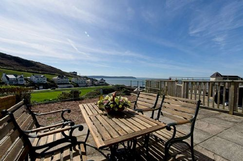Upfront,up,front,reviews,accommodation,self,catering,rental,holiday,homes,cottages,feedback,information,genuine,trust,worthy,trustworthy,supercontrol,system,guests,customers,verified,exclusive,lower deck (3 pebbles court),holiday home hunter,mortehoe,,image,of,photo,picture,view