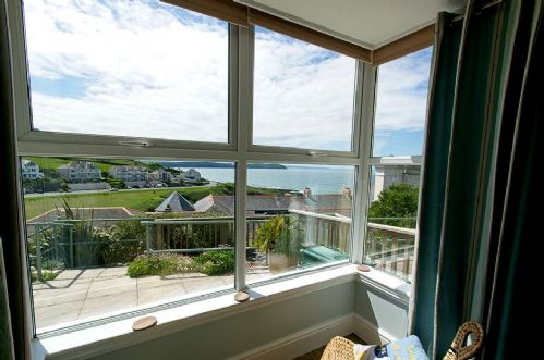 Upfront,up,front,reviews,accommodation,self,catering,rental,holiday,homes,cottages,feedback,information,genuine,trust,worthy,trustworthy,supercontrol,system,guests,customers,verified,exclusive,seascape (7 pebbles court),holiday home hunter,mortehoe,,image,of,photo,picture,view