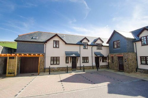 Upfront,up,front,reviews,accommodation,self,catering,rental,holiday,homes,cottages,feedback,information,genuine,trust,worthy,trustworthy,supercontrol,system,guests,customers,verified,exclusive,2 crescent yard cottages,holiday home hunter,mortehoe,,image,of,photo,picture,view
