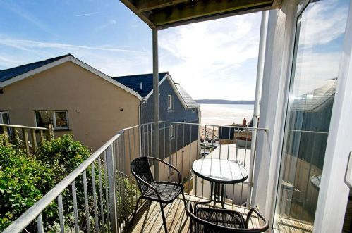 Upfront,up,front,reviews,accommodation,self,catering,rental,holiday,homes,cottages,feedback,information,genuine,trust,worthy,trustworthy,supercontrol,system,guests,customers,verified,exclusive,6 holmesdale apartment,holiday home hunter,woolacombe,,image,of,photo,picture,view