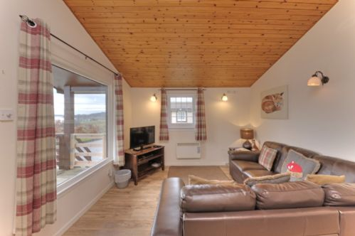 Upfront,up,front,reviews,accommodation,self,catering,rental,holiday,homes,cottages,feedback,information,genuine,trust,worthy,trustworthy,supercontrol,system,guests,customers,verified,exclusive,fox den lodge- pet friendly,appin holiday homes,,,image,of,photo,picture,view