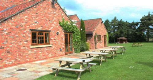 Upfront,up,front,reviews,accommodation,self,catering,rental,holiday,homes,cottages,feedback,information,genuine,trust,worthy,trustworthy,supercontrol,system,guests,customers,verified,exclusive,minster lodge,villa farm holiday cottages & wedding venue,york,,image,of,photo,picture,view