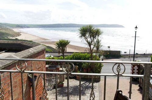 Upfront,up,front,reviews,accommodation,self,catering,rental,holiday,homes,cottages,feedback,information,genuine,trust,worthy,trustworthy,supercontrol,system,guests,customers,verified,exclusive,imperial apartment 1,holiday home hunter,woolacombe,,image,of,photo,picture,view