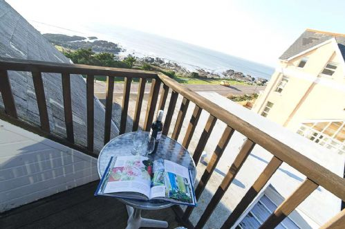Upfront,up,front,reviews,accommodation,self,catering,rental,holiday,homes,cottages,feedback,information,genuine,trust,worthy,trustworthy,supercontrol,system,guests,customers,verified,exclusive,shellsborough penthouse,holiday home hunter,woolacombe,,image,of,photo,picture,view