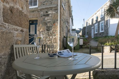 Upfront,up,front,reviews,accommodation,self,catering,rental,holiday,homes,cottages,feedback,information,genuine,trust,worthy,trustworthy,supercontrol,system,guests,customers,verified,exclusive,red sails,cherished cottages ltd,st ives, cornwall,,image,of,photo,picture,view
