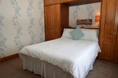 Upfront,up,front,reviews,accommodation,self,catering,rental,holiday,homes,cottages,feedback,information,genuine,trust,worthy,trustworthy,supercontrol,system,guests,customers,verified,exclusive,heathfield villa,argyll self catering holidays,dunoon ,,image,of,photo,picture,view