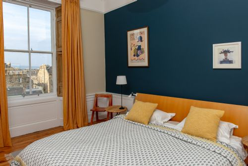 Upfront,up,front,reviews,accommodation,self,catering,rental,holiday,homes,cottages,feedback,information,genuine,trust,worthy,trustworthy,supercontrol,system,guests,customers,verified,exclusive,dublin top,greatbase apartments ltd,edinburgh,,image,of,photo,picture,view
