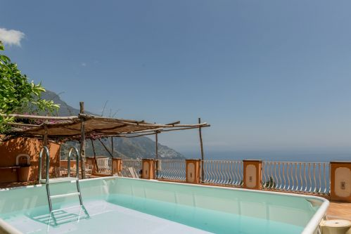 Upfront,up,front,reviews,accommodation,self,catering,rental,holiday,homes,cottages,feedback,information,genuine,trust,worthy,trustworthy,supercontrol,system,guests,customers,verified,exclusive,casa gioia,rentals in italy srl,positano,,image,of,photo,picture,view