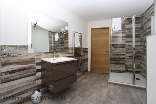 Ground floor bathroom with walk-in shower & WC