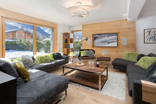 Chalet Montana has a large and stylish living area