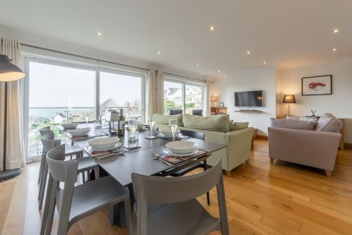 Upfront,up,front,reviews,accommodation,self,catering,rental,holiday,homes,cottages,feedback,information,genuine,trust,worthy,trustworthy,supercontrol,system,guests,customers,verified,exclusive,21 silvershells,cornwall hideaways,port isaac,,image,of,photo,picture,view