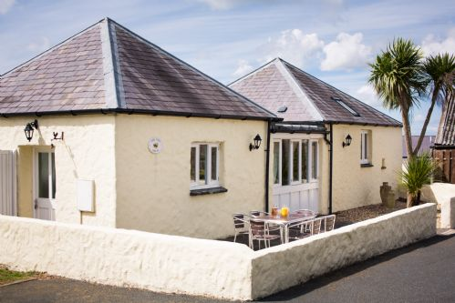 Upfront,up,front,reviews,accommodation,self,catering,rental,holiday,homes,cottages,feedback,information,genuine,trust,worthy,trustworthy,supercontrol,system,guests,customers,verified,exclusive,the hen house,portclew cottages,pembroke,,image,of,photo,picture,view