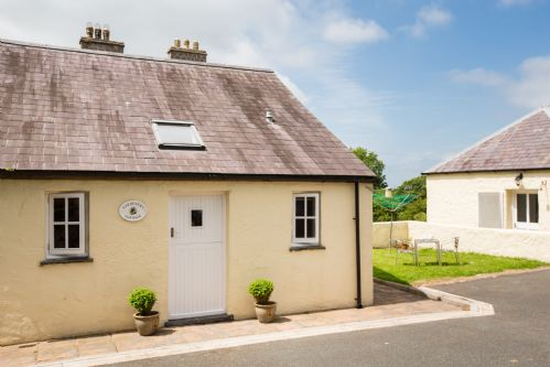 Upfront,up,front,reviews,accommodation,self,catering,rental,holiday,homes,cottages,feedback,information,genuine,trust,worthy,trustworthy,supercontrol,system,guests,customers,verified,exclusive,gardeners cottage,portclew cottages,pembroke,,image,of,photo,picture,view