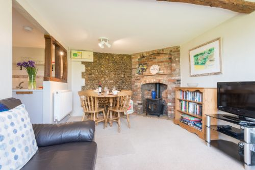Upfront,up,front,reviews,accommodation,self,catering,rental,holiday,homes,cottages,feedback,information,genuine,trust,worthy,trustworthy,supercontrol,system,guests,customers,verified,exclusive,rowan cottage,wood farm cottages ltd,melton constable,,image,of,photo,picture,view