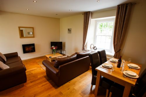 Upfront,up,front,reviews,accommodation,self,catering,rental,holiday,homes,cottages,feedback,information,genuine,trust,worthy,trustworthy,supercontrol,system,guests,customers,verified,exclusive,lower old farmhouse,portclew cottages,pembroke,,image,of,photo,picture,view