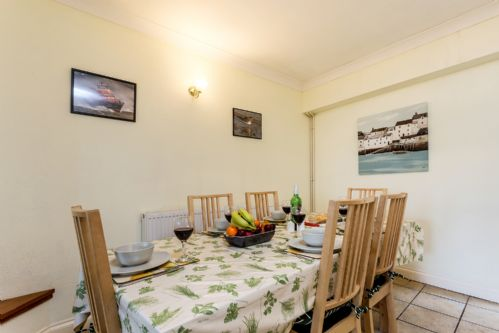 Upfront,up,front,reviews,accommodation,self,catering,rental,holiday,homes,cottages,feedback,information,genuine,trust,worthy,trustworthy,supercontrol,system,guests,customers,verified,exclusive,sea nook,brixham holidays ltd,brixham,,image,of,photo,picture,view