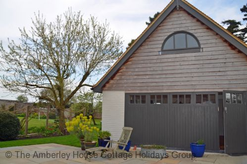 Upfront,up,front,reviews,accommodation,self,catering,rental,holiday,homes,cottages,feedback,information,genuine,trust,worthy,trustworthy,supercontrol,system,guests,customers,verified,exclusive,the little house,the amberley house cottage holidays group,yapton,,image,of,photo,picture,view