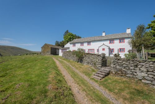 Upfront,up,front,reviews,accommodation,self,catering,rental,holiday,homes,cottages,feedback,information,genuine,trust,worthy,trustworthy,supercontrol,system,guests,customers,verified,exclusive,carhullan farmhouse,herdwick cottages ltd,bampton,,image,of,photo,picture,view