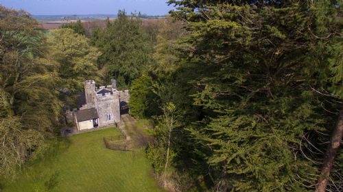 Upfront,up,front,reviews,accommodation,self,catering,rental,holiday,homes,cottages,feedback,information,genuine,trust,worthy,trustworthy,supercontrol,system,guests,customers,verified,exclusive,annes grove miniature castle,irish landmark trust (eur),castletownroche,,image,of,photo,picture,view