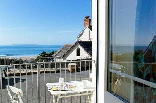 Upfront,up,front,reviews,accommodation,self,catering,rental,holiday,homes,cottages,feedback,information,genuine,trust,worthy,trustworthy,supercontrol,system,guests,customers,verified,exclusive,2 belmont court,holiday home hunter,woolacombe,,image,of,photo,picture,view