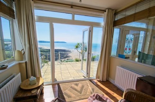 Upfront,up,front,reviews,accommodation,self,catering,rental,holiday,homes,cottages,feedback,information,genuine,trust,worthy,trustworthy,supercontrol,system,guests,customers,verified,exclusive,overcombe,holiday home hunter,mortehoe,,image,of,photo,picture,view