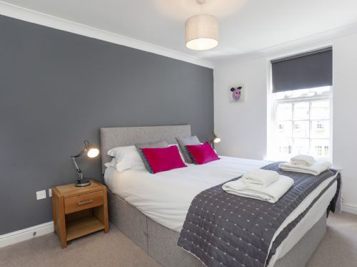 Upfront,up,front,reviews,accommodation,self,catering,rental,holiday,homes,cottages,feedback,information,genuine,trust,worthy,trustworthy,supercontrol,system,guests,customers,verified,exclusive,fountains view apartment ,york boutique lets,york ,,image,of,photo,picture,view