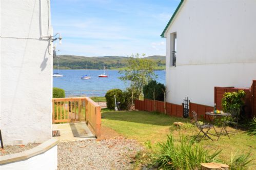 Upfront,up,front,reviews,accommodation,self,catering,rental,holiday,homes,cottages,feedback,information,genuine,trust,worthy,trustworthy,supercontrol,system,guests,customers,verified,exclusive,upper ashwood south,argyll self catering holidays,kames,,image,of,photo,picture,view