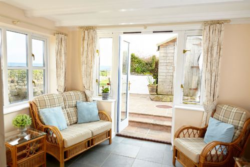 Upfront,up,front,reviews,accommodation,self,catering,rental,holiday,homes,cottages,feedback,information,genuine,trust,worthy,trustworthy,supercontrol,system,guests,customers,verified,exclusive,trevara cottage,sea retreat holiday cottages,marazion,,image,of,photo,picture,view