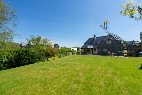 Upfront,up,front,reviews,accommodation,self,catering,rental,holiday,homes,cottages,feedback,information,genuine,trust,worthy,trustworthy,supercontrol,system,guests,customers,verified,exclusive,webbs retreat,cornwall hideaways,roserrow,,image,of,photo,picture,view