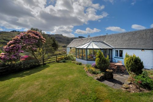Upfront,up,front,reviews,accommodation,self,catering,rental,holiday,homes,cottages,feedback,information,genuine,trust,worthy,trustworthy,supercontrol,system,guests,customers,verified,exclusive,barn cottage,loch seil cottages,oban,,image,of,photo,picture,view