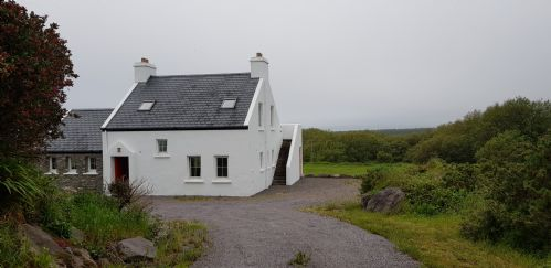 Ar Ais Aris Self Catering Holiday Home, Waterville, Co.Kerry - 4 Bedrooms - Sleeps 8