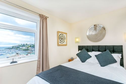 Upfront,up,front,reviews,accommodation,self,catering,rental,holiday,homes,cottages,feedback,information,genuine,trust,worthy,trustworthy,supercontrol,system,guests,customers,verified,exclusive,cliff cottage,brixham holidays ltd,brixham,,image,of,photo,picture,view