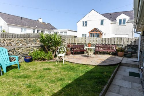 Upfront,up,front,reviews,accommodation,self,catering,rental,holiday,homes,cottages,feedback,information,genuine,trust,worthy,trustworthy,supercontrol,system,guests,customers,verified,exclusive,penrhyn cottage,coastal holidays,cemaes bay,,image,of,photo,picture,view
