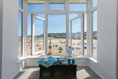 Upfront,up,front,reviews,accommodation,self,catering,rental,holiday,homes,cottages,feedback,information,genuine,trust,worthy,trustworthy,supercontrol,system,guests,customers,verified,exclusive,1 ship aground ,cherished cottages ltd,st ives ,,image,of,photo,picture,view